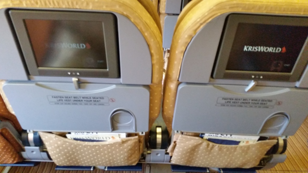 singapore airlines economy class 777 review